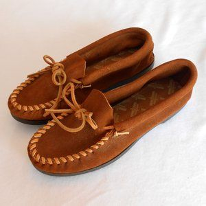 NWOT Minnetonka Brown Leather Moccasins 9